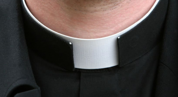 Por que os padres não casam?