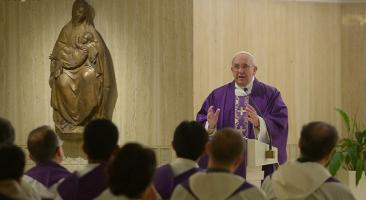 Papa: Deus faz a história conosco e a corrige quando erramos