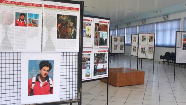 Santuário de Caravaggio abriga exposição sobre milagres eucarísticos do beato Carlo Acutis